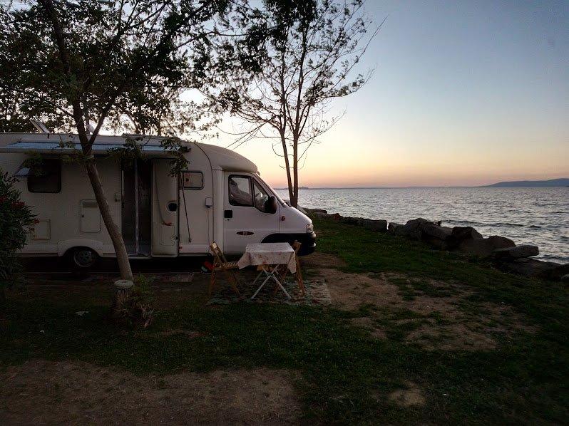 5 modi per risparmiare in camper