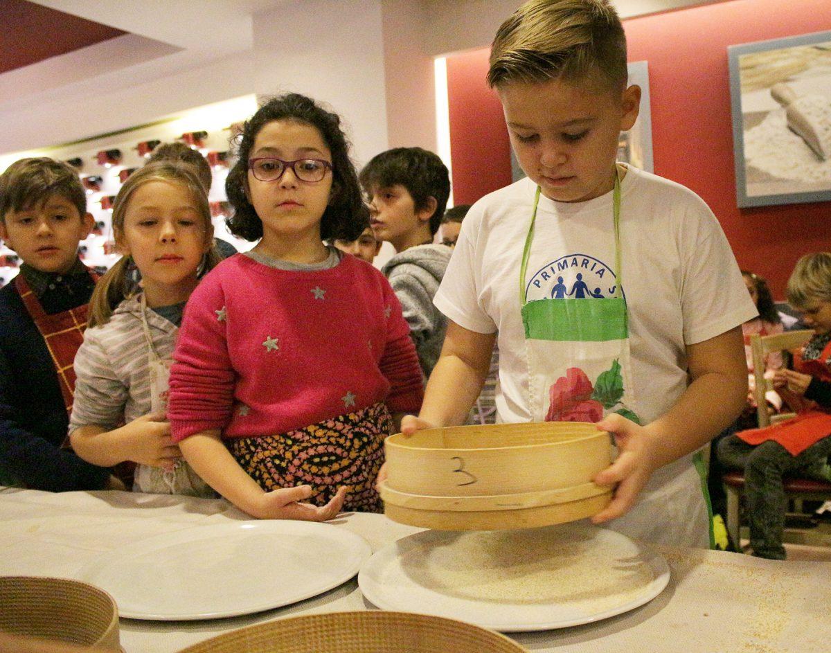 Impariamo a fare la vera pizza napoletana