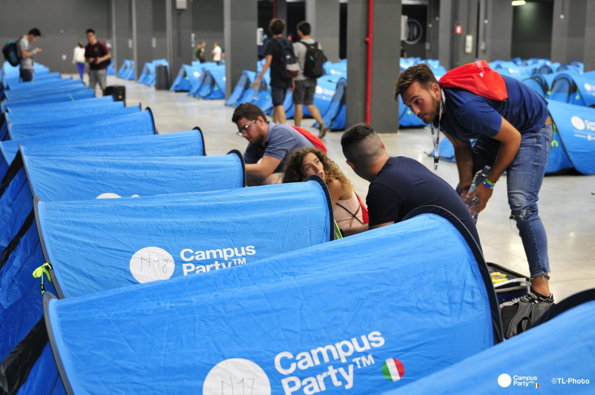 Un campus in tenda a Milano
